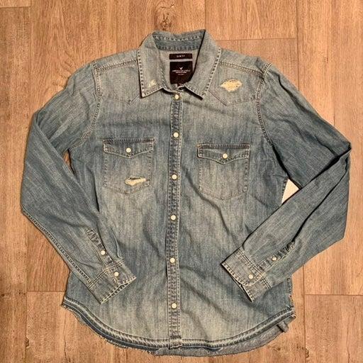 American Eagle Slim Fit Medium, Distressed Denim, Long Sleeve w/ Pearl Buttons