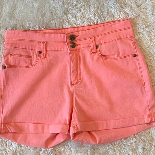 LEI Pink High Rise Shorts size 9 (Juniors)