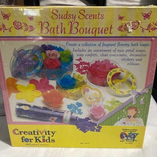 Sudsy scent bath bouquet