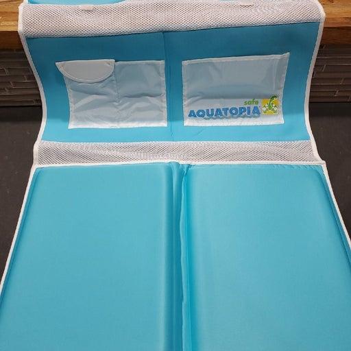 Aquatopia bathtub kneeler and detachable