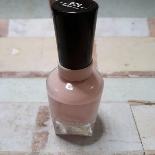 Sally Hansen Pink Marble-ous Nailpolish