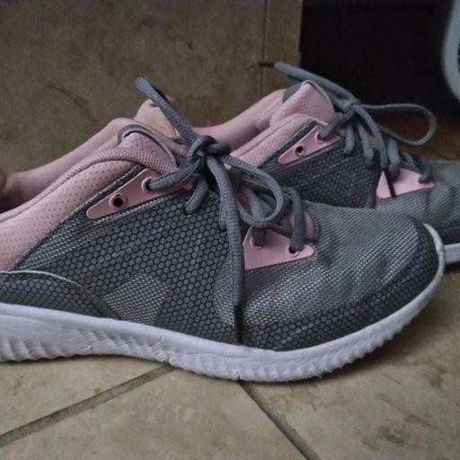 crane memory foam athletic shoes