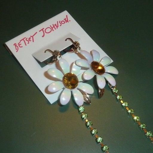 Betsey Johnson White Daisy Long Dangle Earrings, Nwt