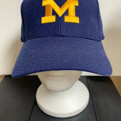Michigan Wolverines Adjustible Cap