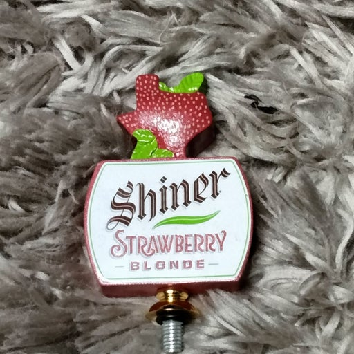 Texas shiner strawberry blonde beer tap