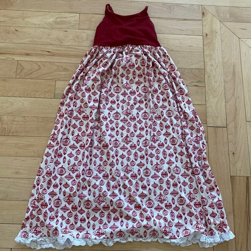 Sweet honey sz 8 christmas gown