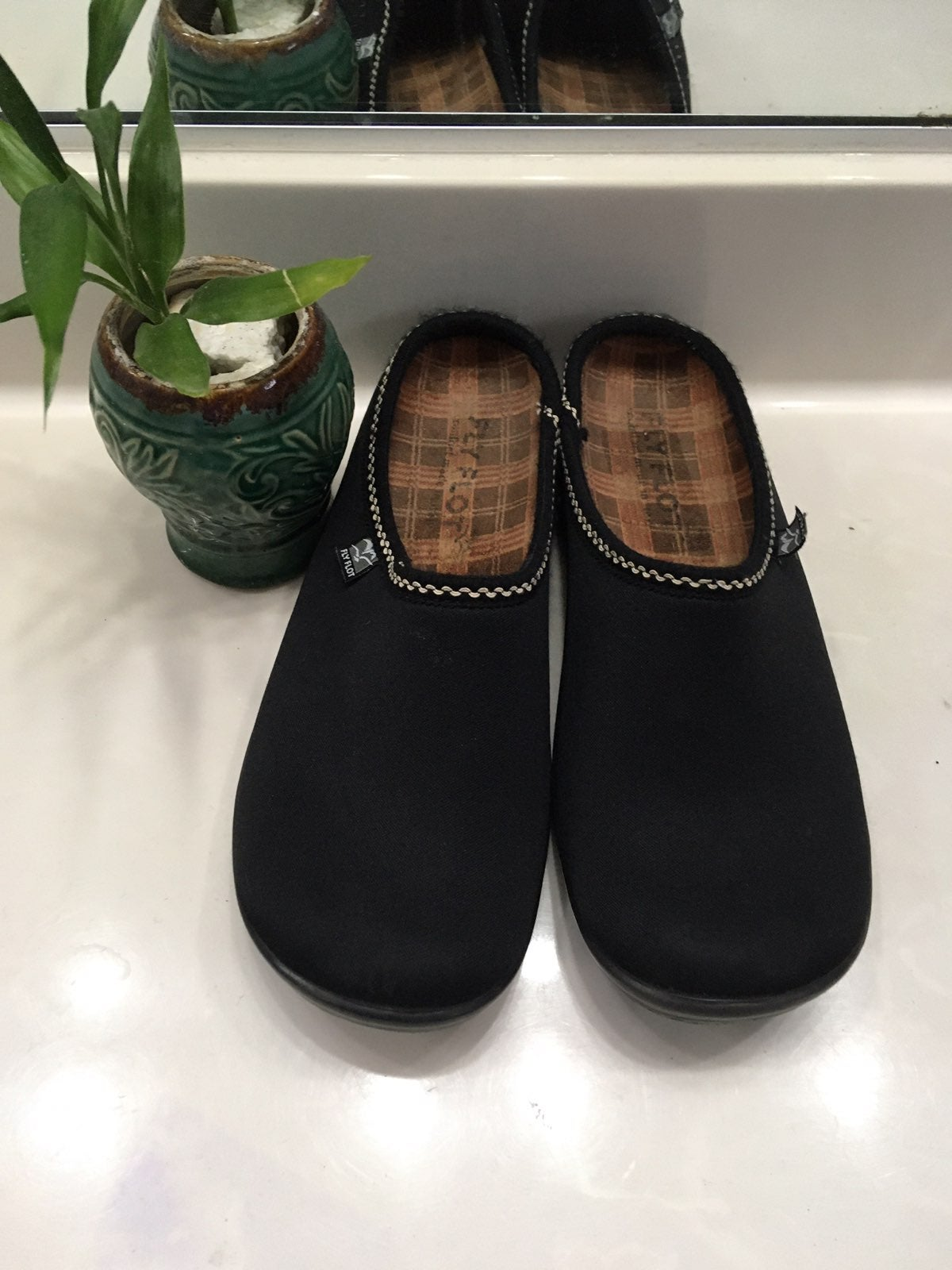 Black Neoprene Mule