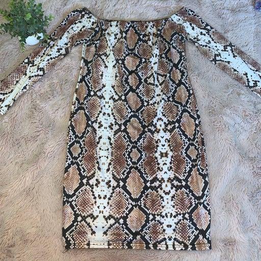 PrettyLittleThing Snakeskin Bodycon Off-Shoulder Dress 16
