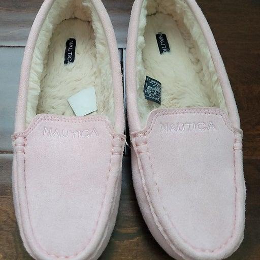 Nautica fuzzy house shoe