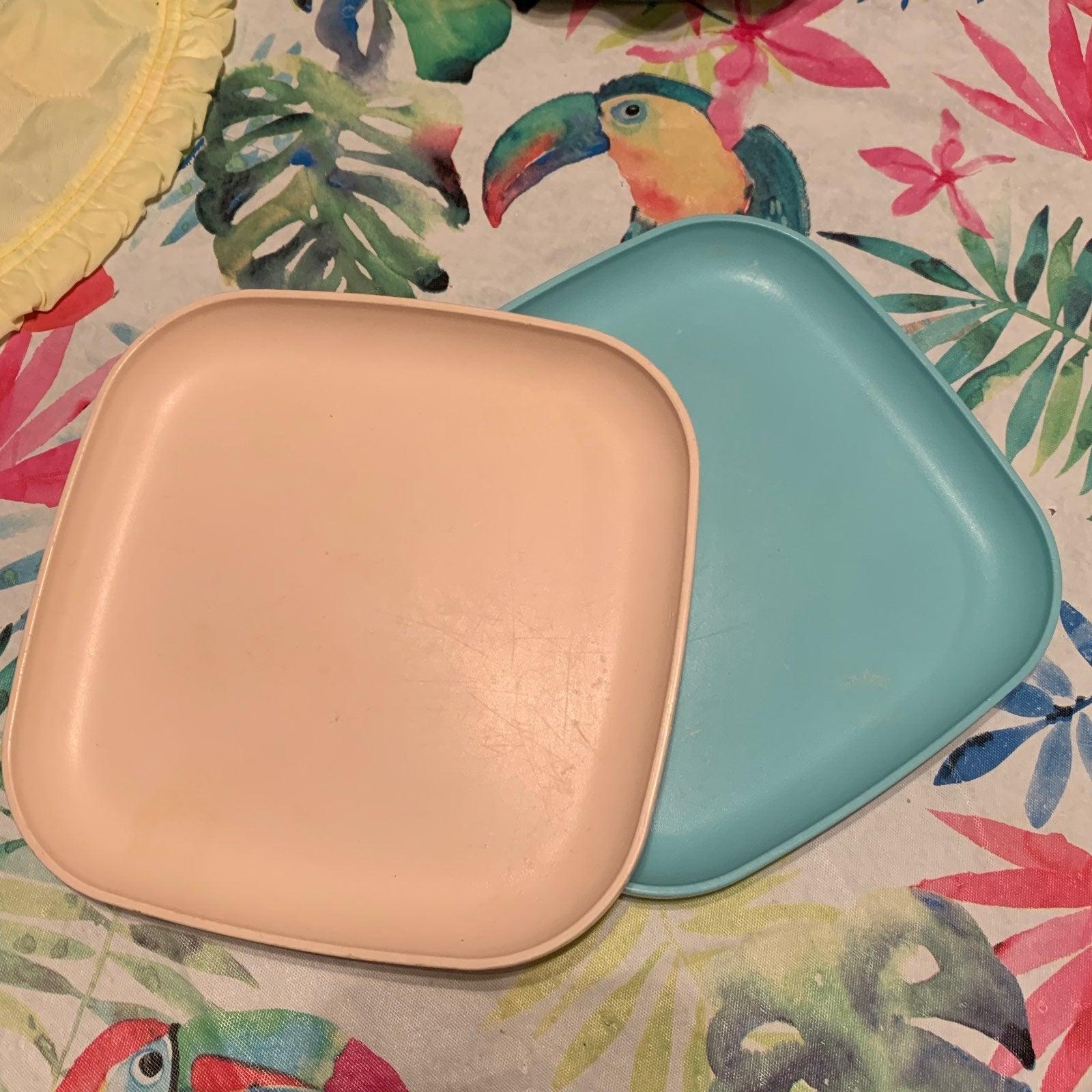 Vintage Tupperware Plate Duo