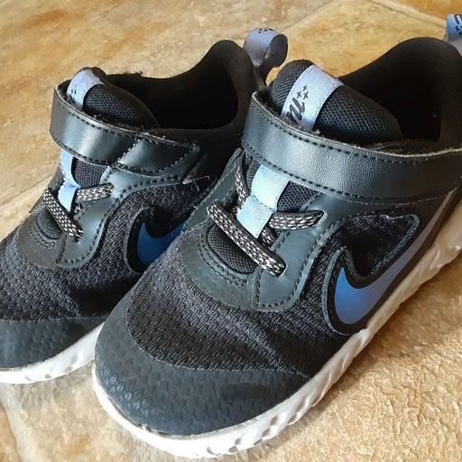 Nike Size 9C Boys