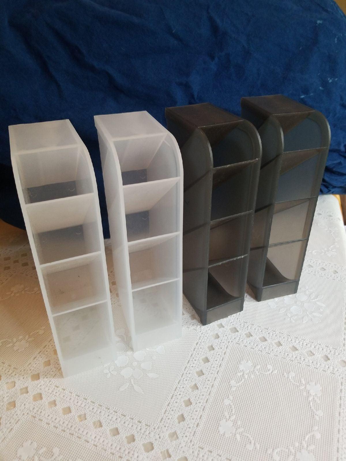 4 plastic desk organizers