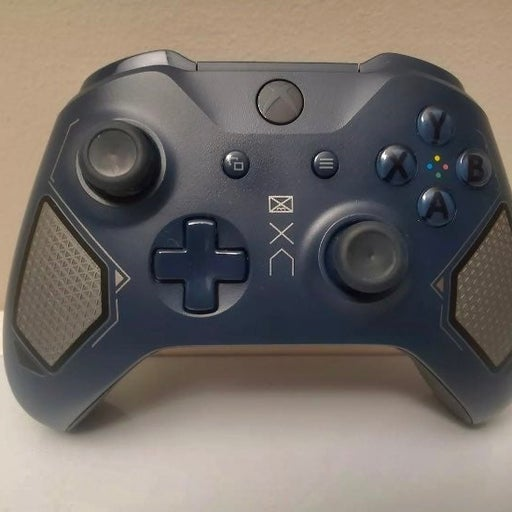 Xbox One Controller Patrol Tech Special Edition Bundle