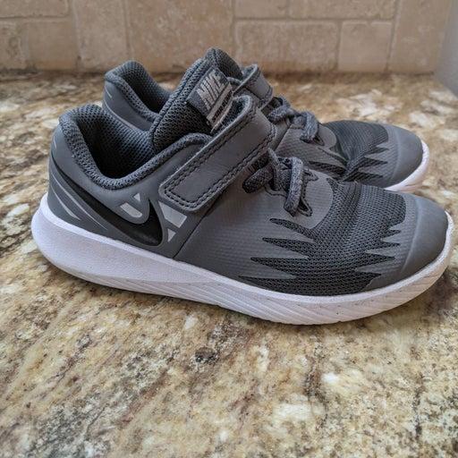 Nike Shoes 10c excellent condition