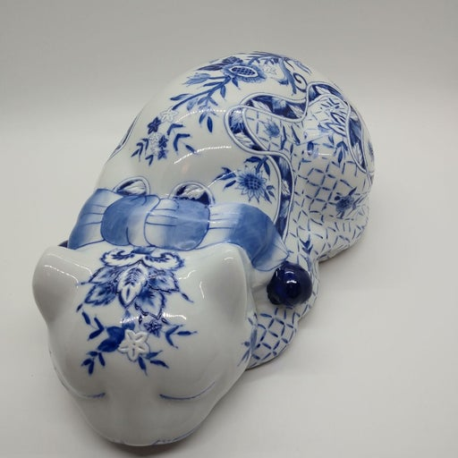 Beautiful Blue and White Cat Large Figur