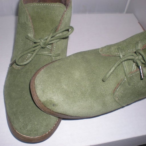 Eddie Bauer Green Suede Chukka ankle boots size 8.5 M