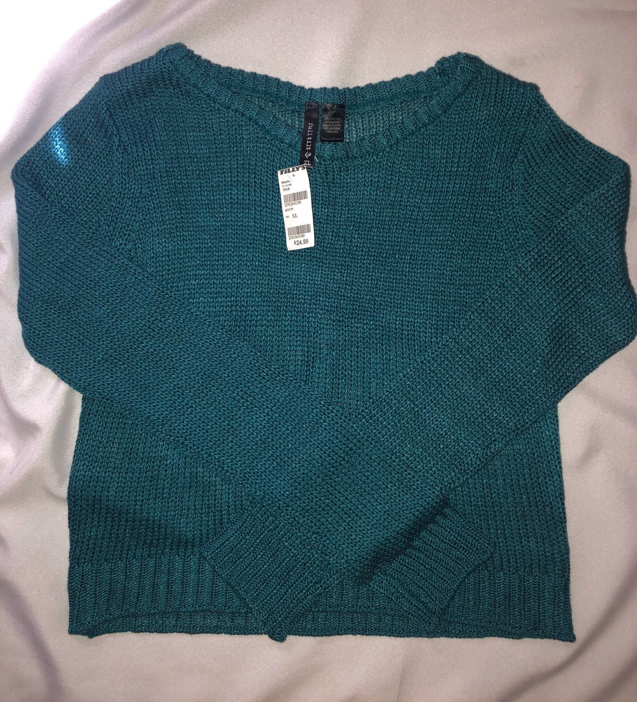 TILLY'S Crotchet Cropped Sweater