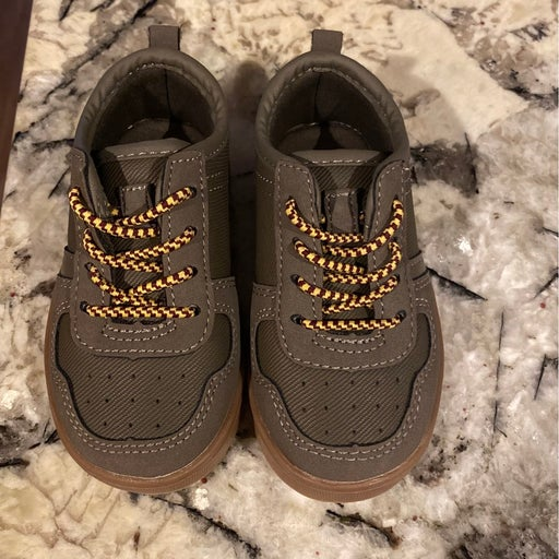 New Toddler sneakers