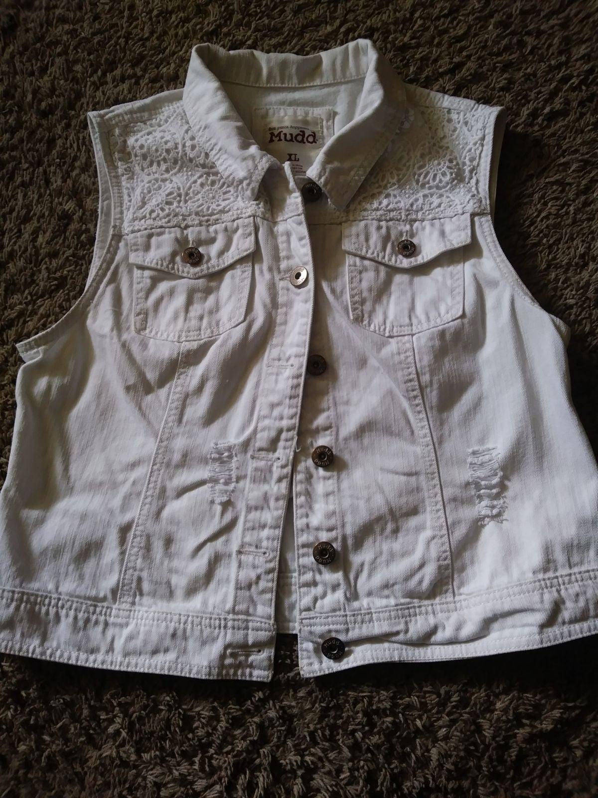 Women's vest made by MUDD