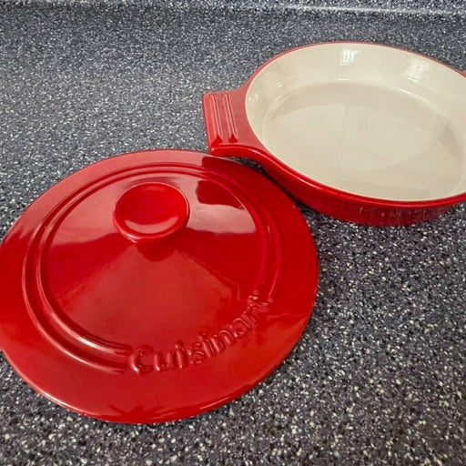 Cuisinart 3qt baking dish with lid red