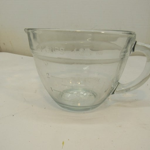 Pampered Chef 4 Cup 1 Quart Glass Measuring Mixing Batter Bowl