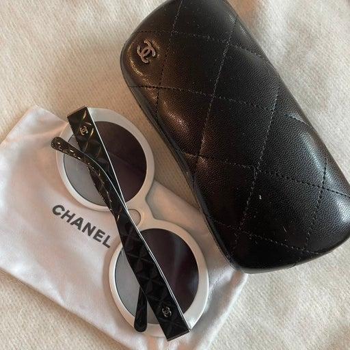 Chanel Black white round sunglasses