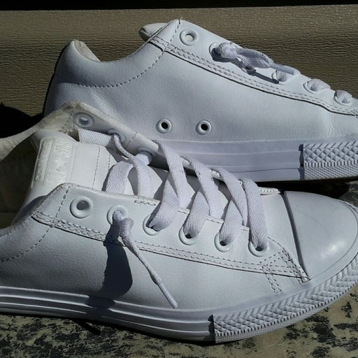 Converse Womens Leather Sneakers Sz 6