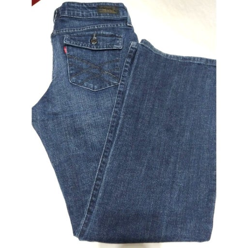 Levi's 545 Low Boot Cut Size 10 Button back pockets