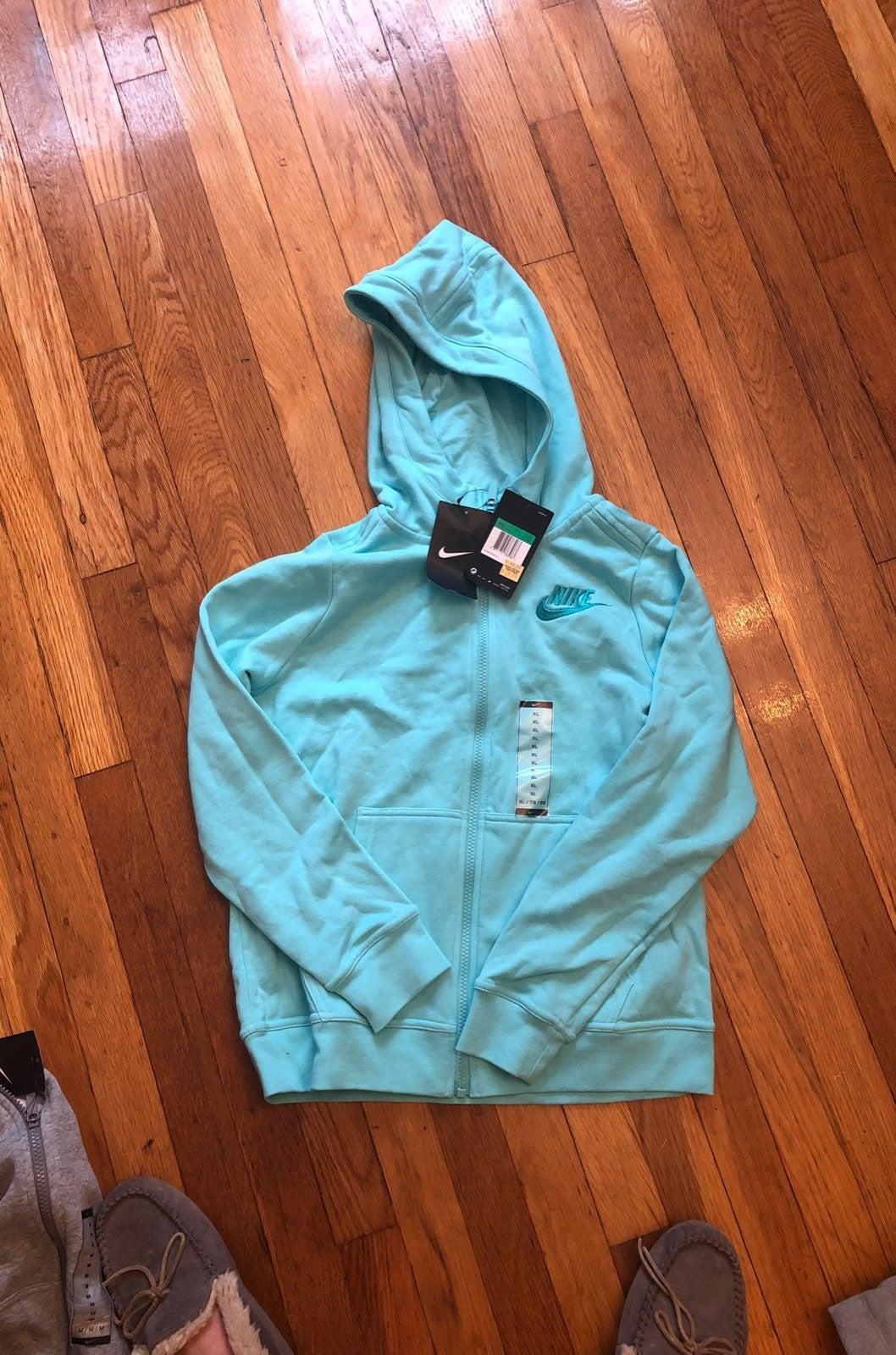 Nike girls hooded sweatshirt, XL