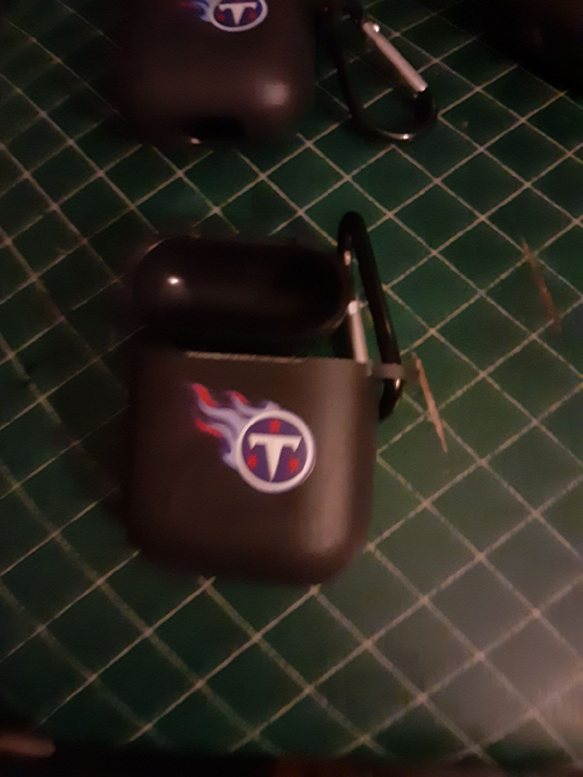 NFL TENNESSEE  TITANS AIRPOD CASE