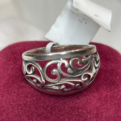 Silver Filigree Dome Ring. Size 8.