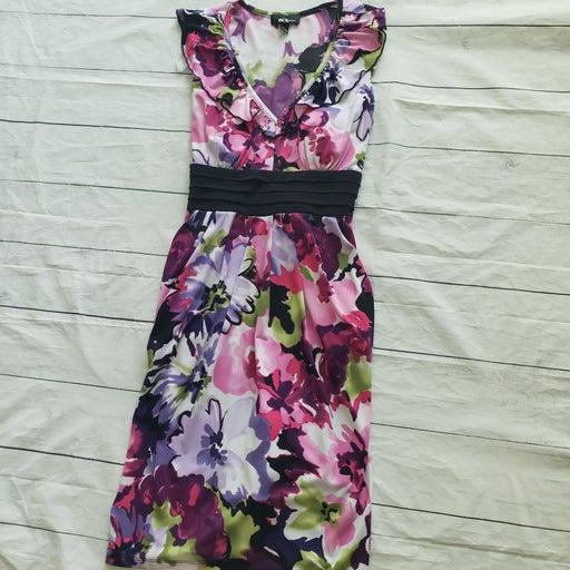 Women's dress size M medium pockets