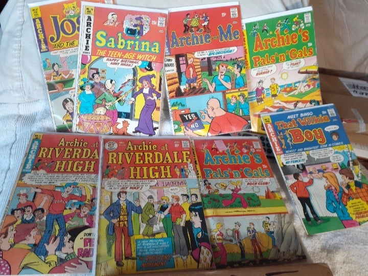 ARCHIE COMICS. BY ARCHIS SERIES.