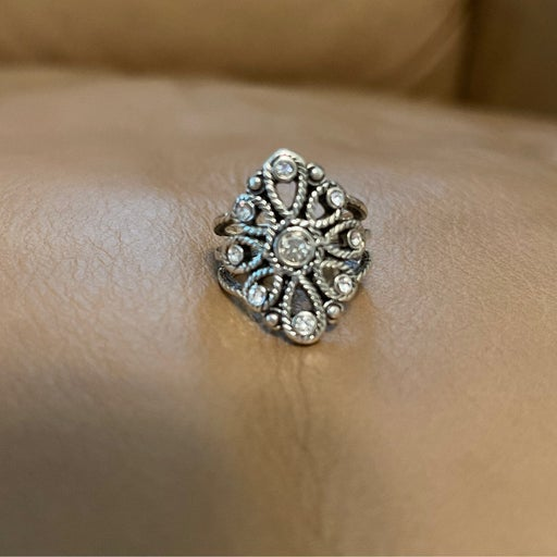 Premier design ring