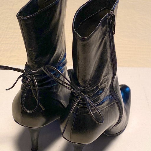 Gianni Bini Black Stileto Boots 7.5