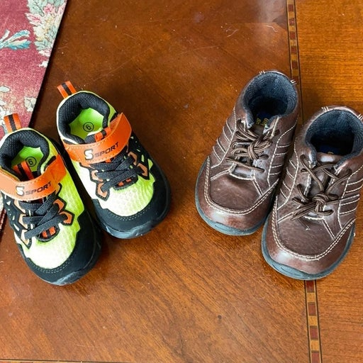 Bundle (2) pairs of shoes size 6