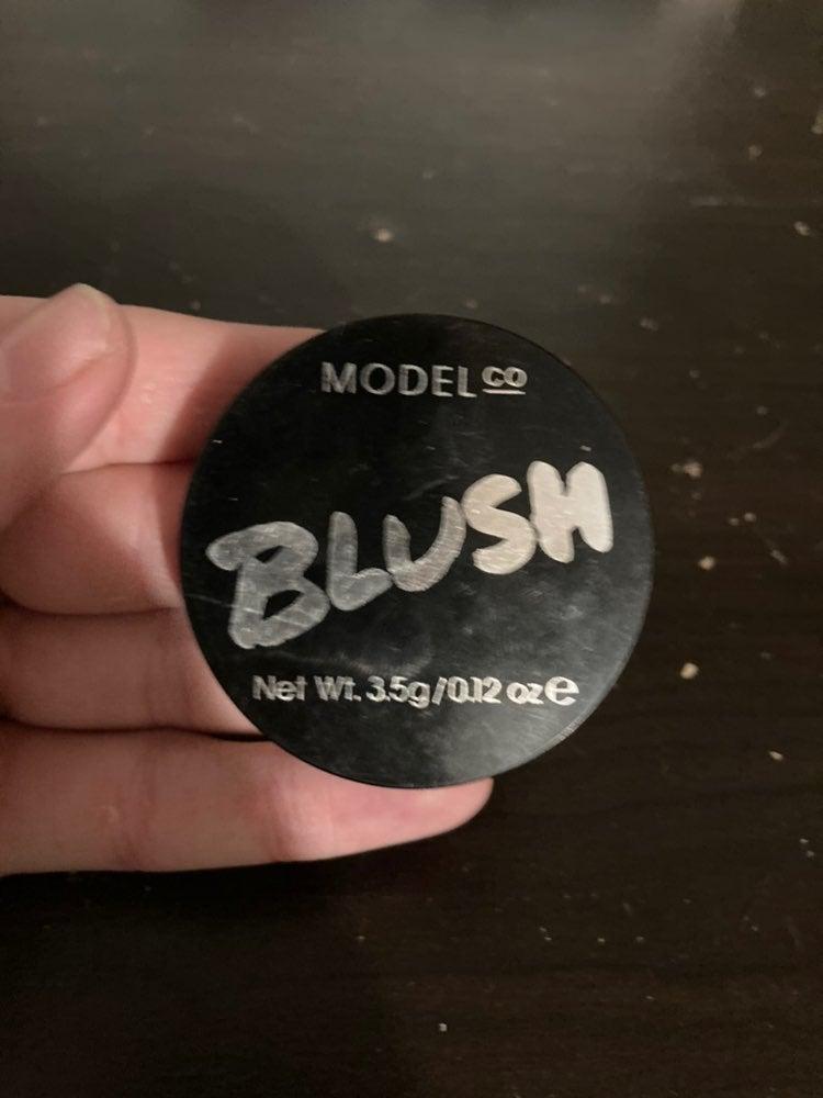 Model co blush