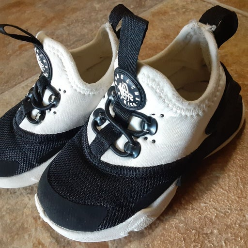 Nike Hurache Drift Size 5C