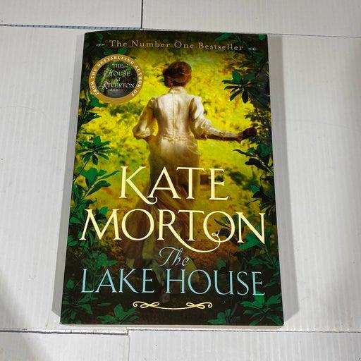 The Lake House by Kate Morton (2016, Trade Paperback)