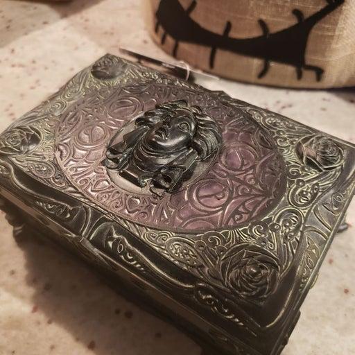 Madame leota haunted mansion box new