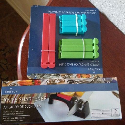 Set of knife sharpener and sandwich bag