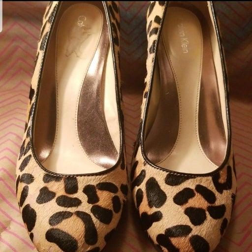Calvin Klein Leopard print 3in heels