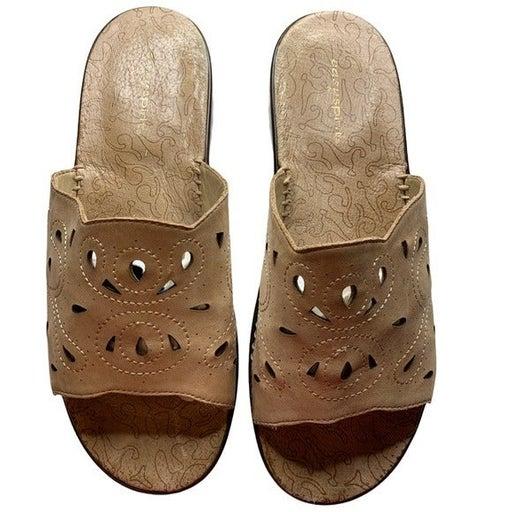 2/$20 Easy spirit sandals