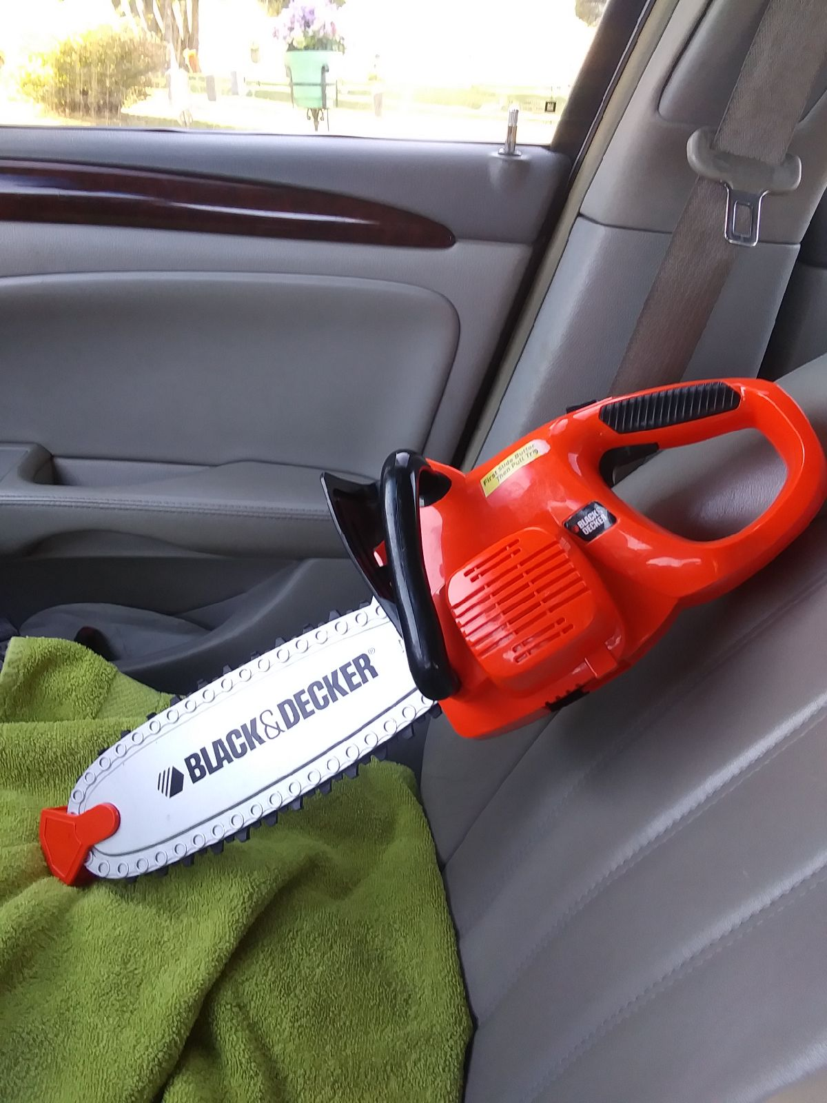 """A """"real"""" Black & Decker Chainsaw for Kid"""