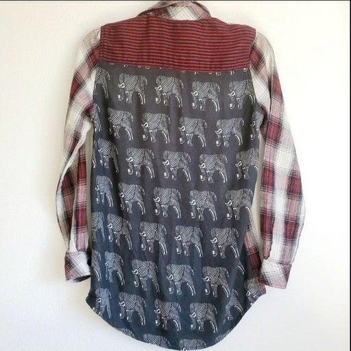 Tolani Plaid Elephant Flannel Buttondown XS