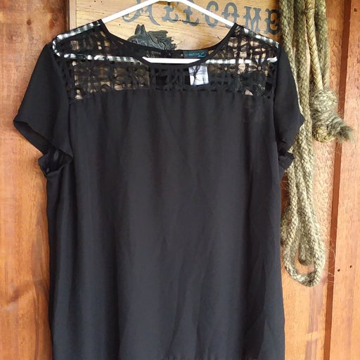 Creation L womens size 12 black top
