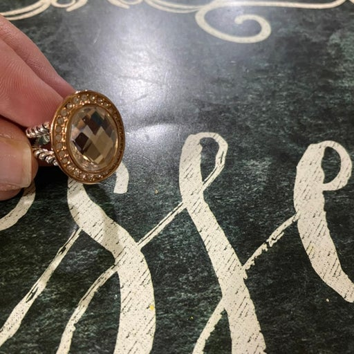 Oval premiere jewelry ring