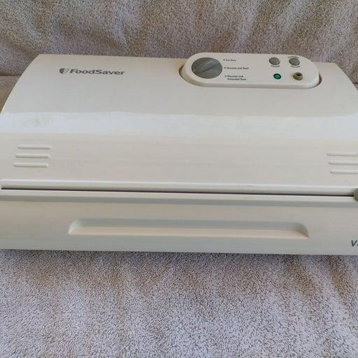 FoodSaver Model V845 White Vacuum Sealer