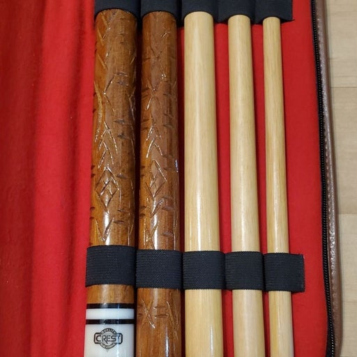 Crest 5 pc pool cue hand engraved