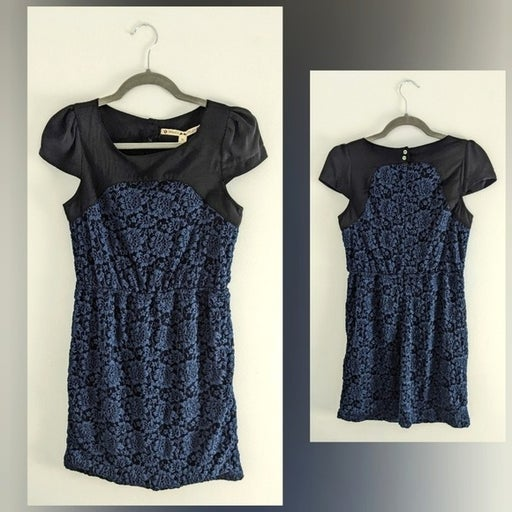 Chelsea & Violt | NWT Blue Lace Dress | Small